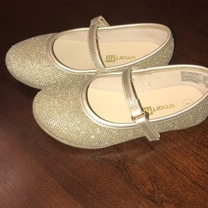 Gold glitter dress shoes